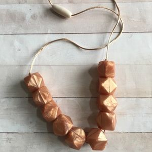 Rose gold mommy teething necklace w silicone beads